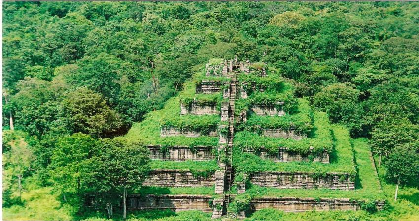 Koh Ker & Beng Mealea Excursion 1Day