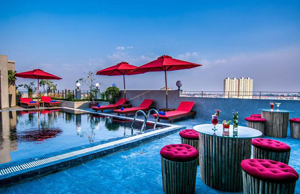 Diamond Palace Resort & Sky Bar